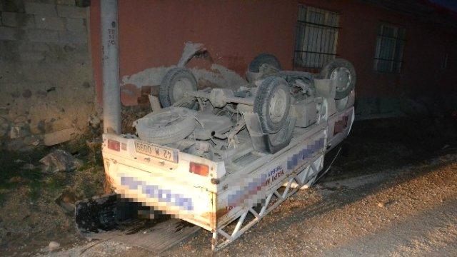 Kulu'da Pikap Evin Duvarına Çarptı: 1 Yaralı