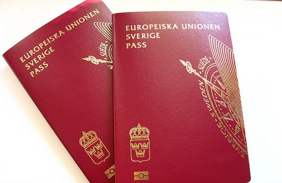 Rüşvetle İsveç oturumu veren Göçmen Dairesi çalışanına hapis...