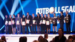 2016 Yılı Futbol Ebeveyn Ödülü Yeniceoba'lı Rabija Koç'un