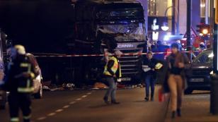 Berlin'deki saldırının zanlısı Danimarka'da aranıyor...