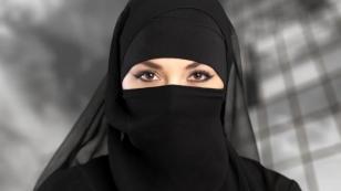 Danimarka Parlamentosu burka ve peçe yasağına hazırlanıyor
