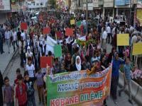 Suruç'ta halk Kobani sınırına yürüyor