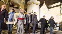 Stockholm'deki Müslümanlar da sinagog etrafında etten duvar örecek