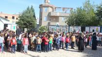 İsveç'ten Suriyeli Yetim Çocuklara Okul Yardımı