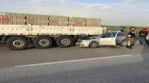 Otomobil Tıra Arkadan Çarptı Açıklaması 2 Yaralı